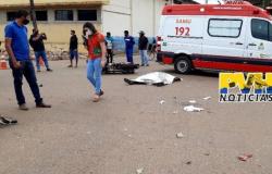 Jovem morre ao avançar  sinal vermelho e outras quatro pessoas ficam gravemente feridos