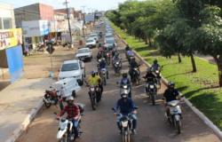 Policiais e Bombeiros Militares realizam carreata em Jaru