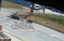 Vídeo! Pelotão  de Trânsito registra acidente que motociclista perde vários  dentes após  colisão entre motocicletas