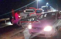 Bandidos desastrados capotam caminhonete de empresário na cabeceira da ponte após assalto