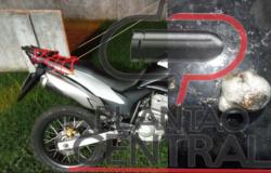 Guarnição de Rádio Patrulha prendeu motociclista  com droga praticando direção perigosa