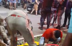 Corpo de Bombeiros socorre homem ao ser esfaqueado após socos e pontapés