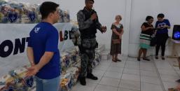 LBV em parceria com a Polícia Militar, entrega cestas de alimentos em Ji-Paraná.