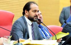 Laerte Gomes garantiu agilidade na votação do projeto do piso nacional a professores.