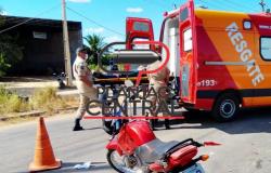Motociclista é  socorrido desacordado após rampar quebra molas