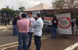 Servidores da Eletronorte e de outros órgãos param em Cuiabá em protesto contra privatização