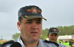 """Comandante-geral reconhece """"dias difíceis"""", apoia investigações e isenta PM"""