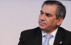 Carvalho descarta substituição de médico brasileiro por estrangeiro
