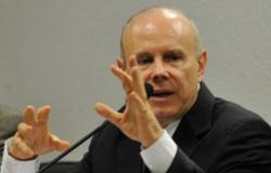 Mantega defende reforma tributária para aumentar competitividade e manter economia em crescimento