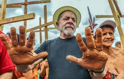 Caravana de Lula chega ao Vale do Jequitinhonha e norte de Minas