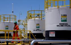 Petrobras anuncia altas de 0,10% no preço da gasolina e de 0,80% no diesel