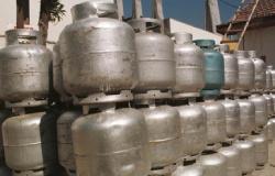 Polícia recupera carga roubada de 640 botijões de gás