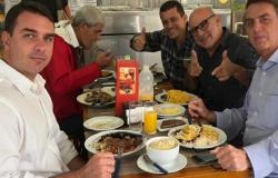 MP e PJC do Rio de Janeiro fazem busca e apreensões contra Flávio Bolsonaro