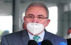 Incompetência de Queiroga causa desabastecimento de Kit Entubação no país