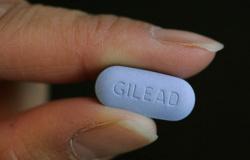 SUS deve adotar uso preventivo de pílula anti-HIV para pessoas em risco