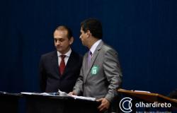 Wilson e Emanuel trocam ataques em programa eleitoral e acusam partidos de corrupção
