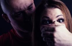 Após bebedeira, jovem flagra namorada sendo estuprada por amigo no Tijucal