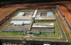 Dezoito presos são transferidos após rebelião com 5 mortes em Mato Grosso