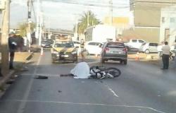 Motociclista morre após colidir com ônibus na avenida Doutor Meireles, no bairro Tijucal