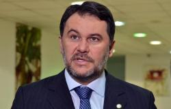 Deputado chama ex-governador de mentiroso e o acusa de não ter quitado dívida