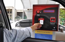 Cobrar preços distintos em estacionamento é ilegal