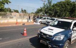 Pastor Evangélico desce do carro para olhar problemas mecânicos e é atropelado na Miguel Sutil