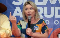 Candidato entra com ação contra Selma Arruda, por Caixa 2 e pede Cassação.
