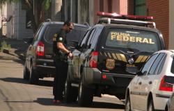 Polícia Federal cumpre mandados contra quadrilha que importava droga da Bolívia em aviões