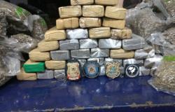 Menores são apreendidas com 38 kg de drogas em caminhão