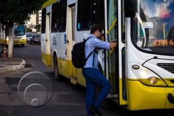 Motoristas de ônibus aderem à greve geral e 280 mil pessoas devem ser afetadas em Cuiabá e VG