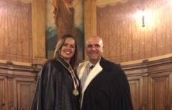 Advogada encontra tema de TCC na Bíblia e recebe homenagem na Itália