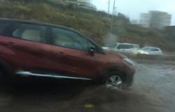 Chuva alaga Viaduto do Despraiado e trânsito fica lento