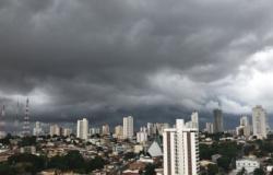 Previsão é de chuva para o final de semana com máxima de 39º C em Cuiabá