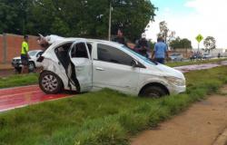 Após furtar turistas em Chapada, dupla bate carro e fica ferida