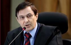 MPF denuncia conselheiro após PF flagrá-lo jogando cheques milionários em lixeira