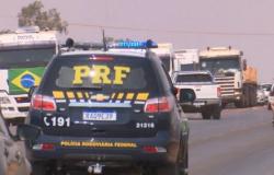 Caminhoneiros liberam rodovias em MT após decisão de Justiça