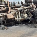 Nova Monte Verde: Carreta pega fogo após vagão sair para fora da pista na MT-208