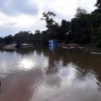 hauahuahauhauhauahhauhauahuahuahauhuBalsa que faz a travessia do rio Apiacás na MT-206 é interditada