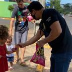 Ação da Polícia Civil e comércio local leva cestas básicas a famílias em Lucas do Rio Verde