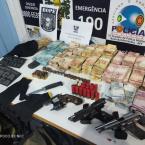 hauahuahauhauhauahhauhauahuahuahauhuNOVO CANGAÇO: PM recupera R$ 164,7 mil com suspeitos de roubo as cooperativas Sicredi e Sicoob