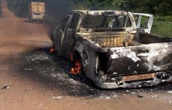 Caminhonete da prefeitura de Nova Monte Verde pega fogo na MT-208
