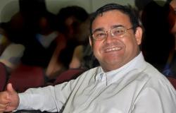 Sinop: Diretor de escola morre com Covid-19 enquanto aguardava vaga em UTI