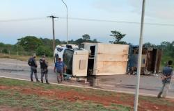 Motorista que tombou caminhão de coleta de lixo na MT-208 responderá por embriaguez ao volante e dano ao patrimônio público