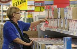 """Leite tem variação acima de 100% entre supermercados, apesar de """"equilíbrio"""" nas gôndolas"""