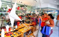 Procon orienta consumidores sobre presentes de Natal