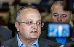 """Governador faz duras críticas a Silval Barbosa e diz """"É um vagabundo que roubou o Estado"""""""