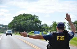 PRF faz operação nas rodovias de MT para tentar diminuir acidentes durante o Natal