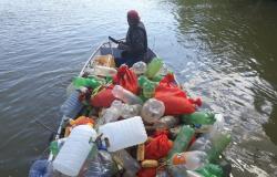 Sema faz retirada de mil cevas fixas durante patrulhamento fluvial de rotina