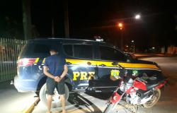 Lucas do Rio Verde: PRF prende suspeito de crime de roubo de motocicleta e de assalto à mão armada