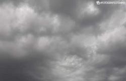 Pancada de chuva fora de hora surpreendeu Altaflorestenses